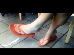 feet dark
